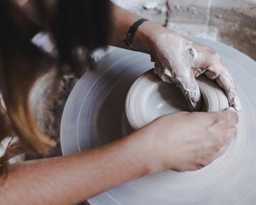 Hana Karim – rokodelstvo gline
