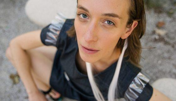 NEON RABBIT - Photo Mihaela Majerhold